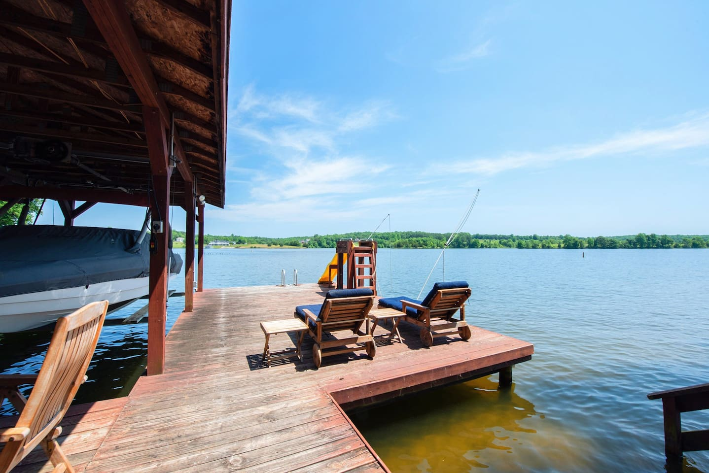 Room for your boat or jet skis on this deep water dock.  'No wake' area perfect for swimming or fishing.