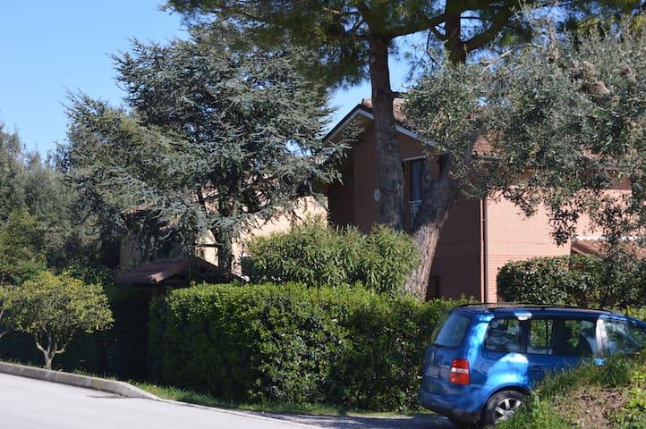 bilocale zona residenziale - Porto Recanati - House