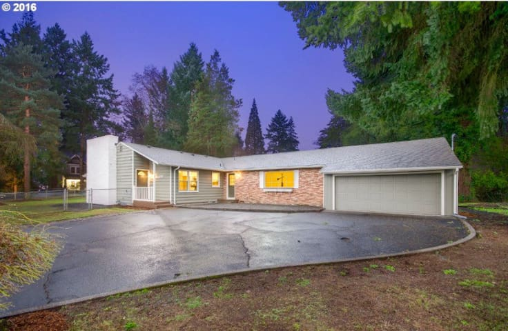 8min to PDX, 24hrs via Private Entrance, 580sqft - Vancouver