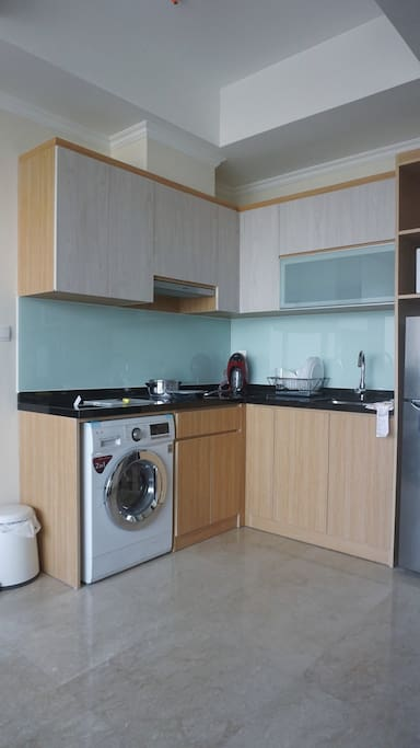 Fully equiped kitchen. Washing machine.