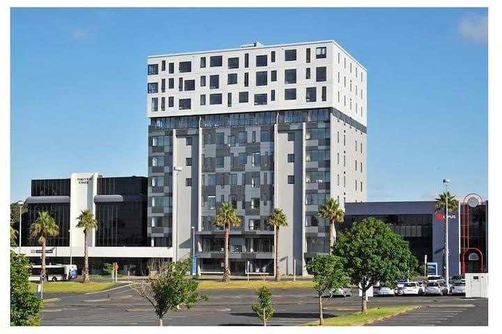 ★Your Perfect hub ★ Modern Studio Apartment ★