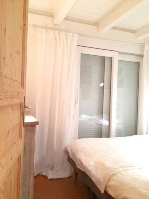 Schlafzimmer 1 Doppelbett/ Bed Room 1 Double Bed  160x200