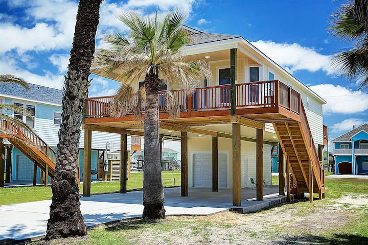 Immaculate New Beach House - 3 bedroom 2 Bath