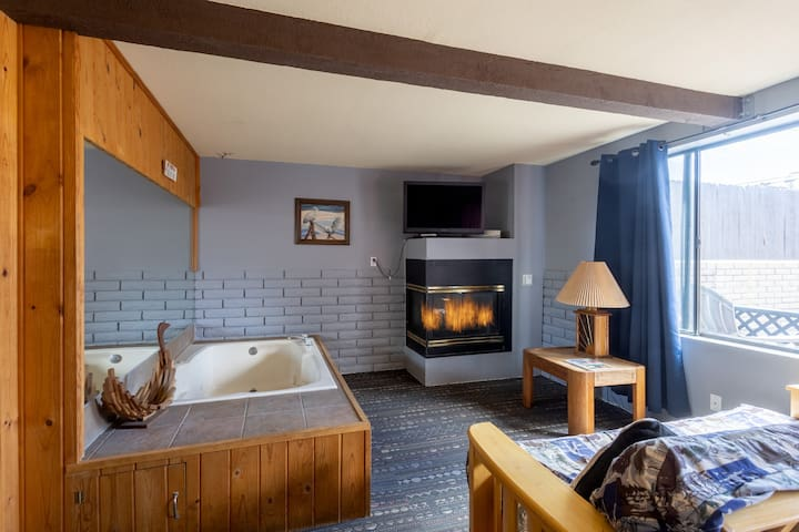 Village Suites Inn - Teddy Bear - Perfect Location, IN THE VILLAGE!