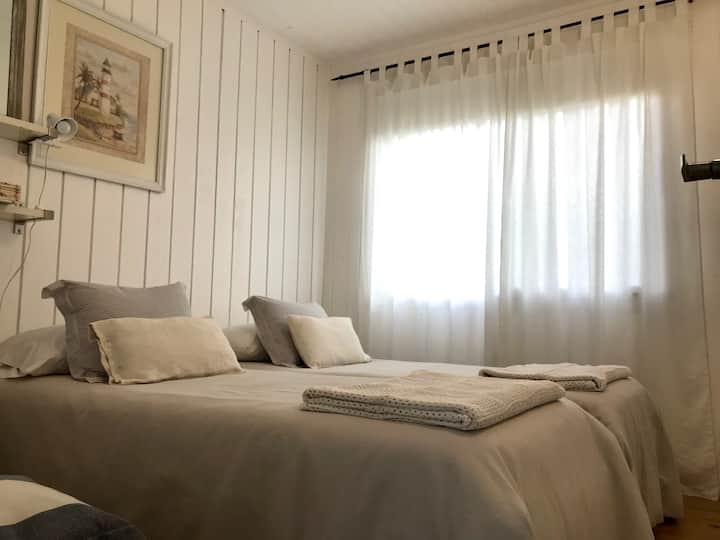 Habitación con baño privado en La Juanita