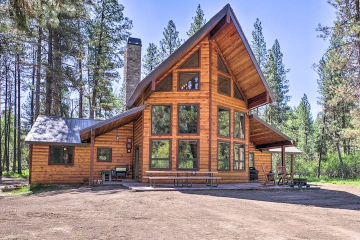 NEW! Newly Renovated Garden Valley Cabin w/Hot Tub