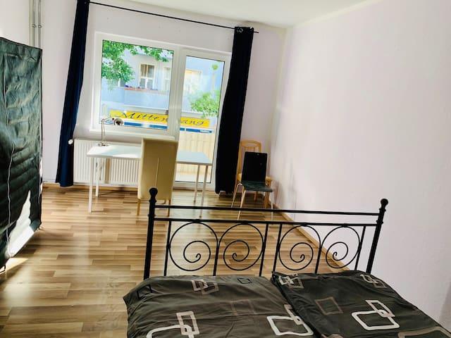 """Bequem wohnen und Zentralgelegen """"nähe Kudamm"""""""