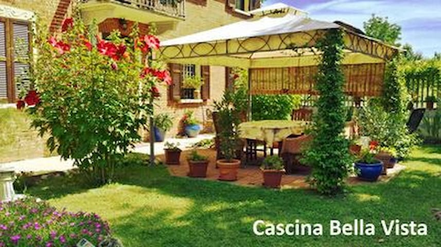Cascina Bella Vista - Asti B&B - Barrano - Bed & Breakfast