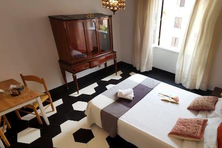 Coliseum vintage Italian stylish suite @ Termini 1 - Leilighet