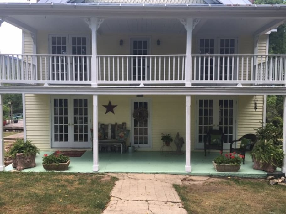 Front Porch & Balcony