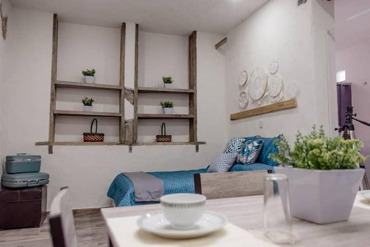 Suite 7 (Private Room & Inner Terrace)