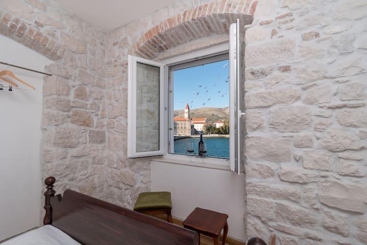 Residence Providenca Room 1 - Trogir - Bed & Breakfast