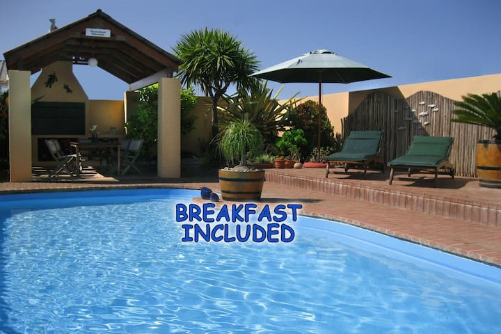 Family Unit @ Avenues Guesthouse - Mossel Bay - Bed & Breakfast