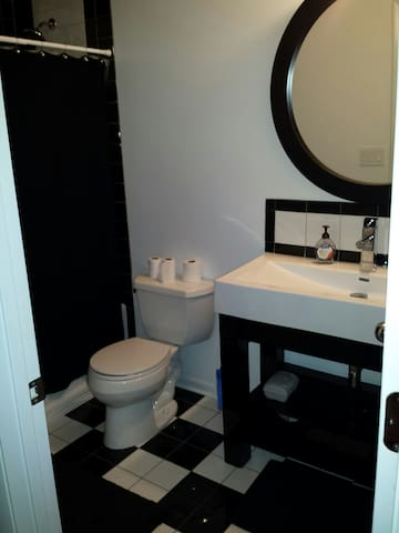 private full bathroom within bedroom