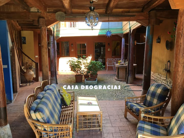 House with 4 bedrooms in Veguellina de Órbigo, with enclosed garden