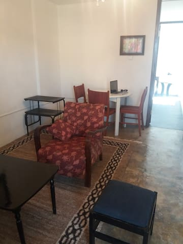 Clean Well Placed Apt - Addis Ababa - Leilighet