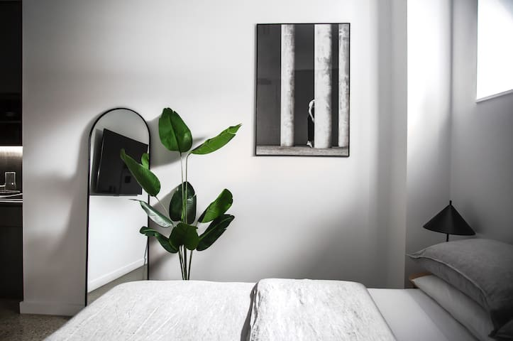 Luxury Boutique One Bedroom Studio Apartment