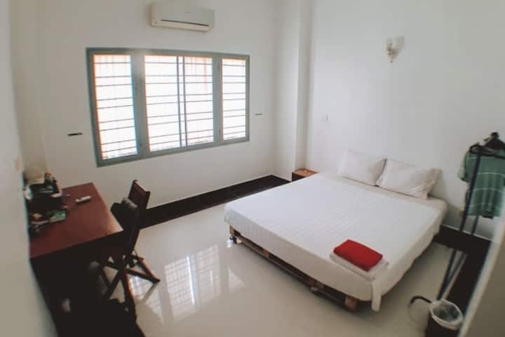 SOMA Community House budget room with en suite