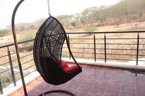Entire cosy villa to chill with family & friends!