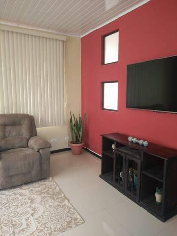 Amplio y céntrico apartamento en Bello Horizonte