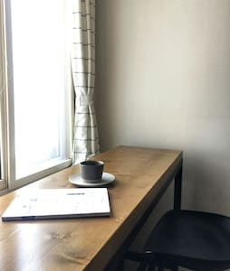 【清筑】奥帆中心五四广场步行5分钟看海公寓,近地铁口,面朝晴空与大海转身城市繁华,原木&棉麻的简与素
