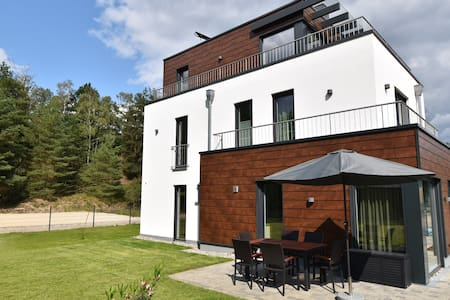 Naturpark-5* Ferienhaus-See-Sauna-Kamin-Hund-140m²