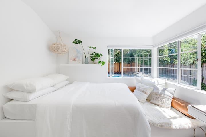 Sunny Private Room in the Heart of Palo Alto