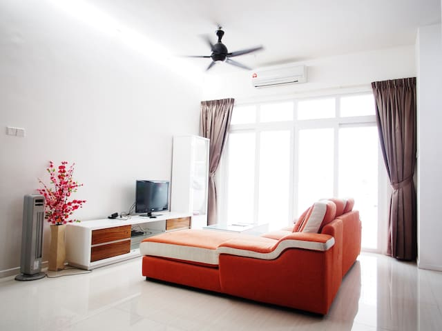5Bedrooms 4Storey Spacious Penang Landed House