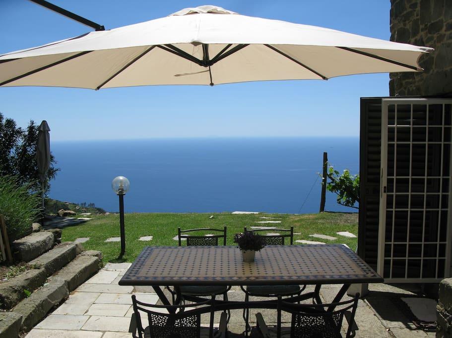 gite dans le vignoble en face de la mer maisons louer. Black Bedroom Furniture Sets. Home Design Ideas