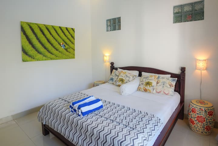 Bedroom three, luxo relaxo, curated so you can switch off and simply enjoy. Wifi, 111 transvision cable tv channels, air con, high quality mattresses, fresh bedding and all the furnishings and lil extras you could need. It's you time.