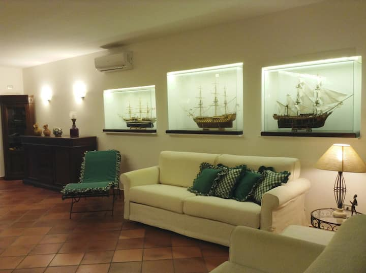 Three Ships -Apartment