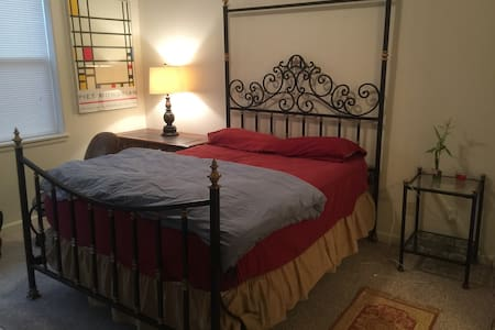 2BR 2BA spacious condo w/ Gym - Glenwood Springs - Condominium