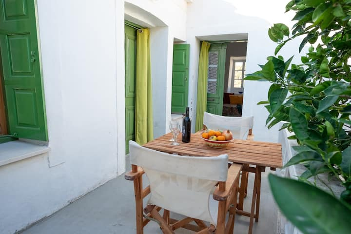 Ouranos cottage house