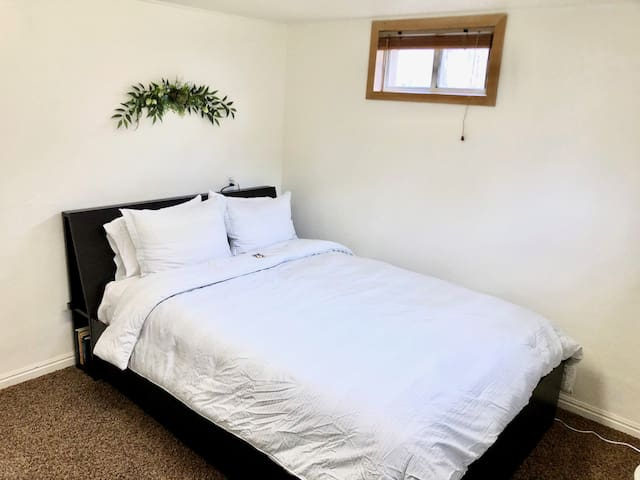 Charming & Convenient Stay Near SLC & Airport