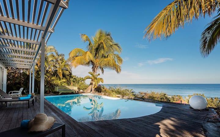 Villa de rêve à St Gilles vue mer à 180°