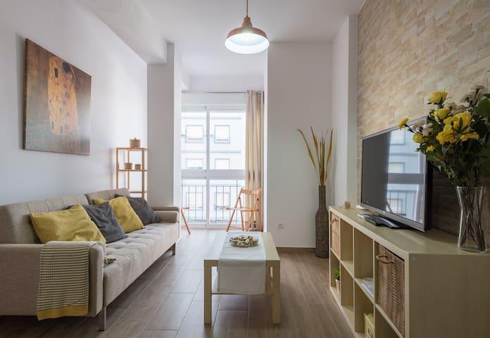 Piso céntrico en Málaga,3 dorm,WIFI - Málaga - Byt