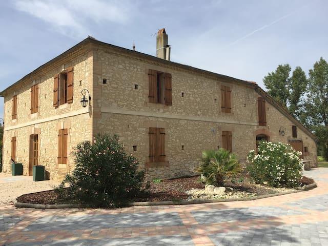 Maison Gasconne de caractère de 230 m2 - Aubiet