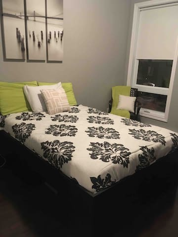 Quiet room. 10 minutes from downtown Ottawa