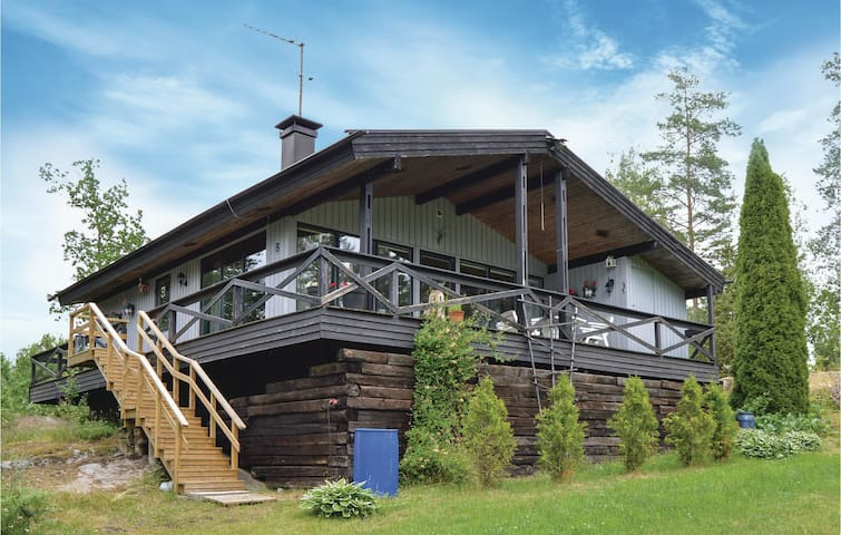 Holiday cottage with 2 bedrooms on 64m² in Herräng
