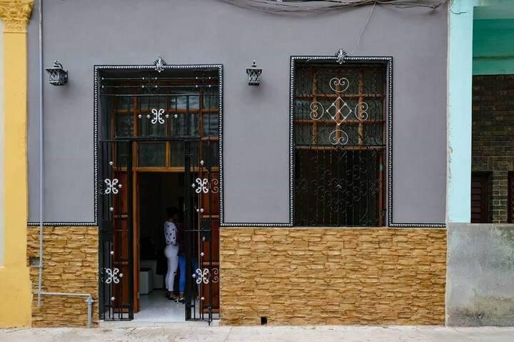 Hostal Linda Habana, a 4 calles del malecon