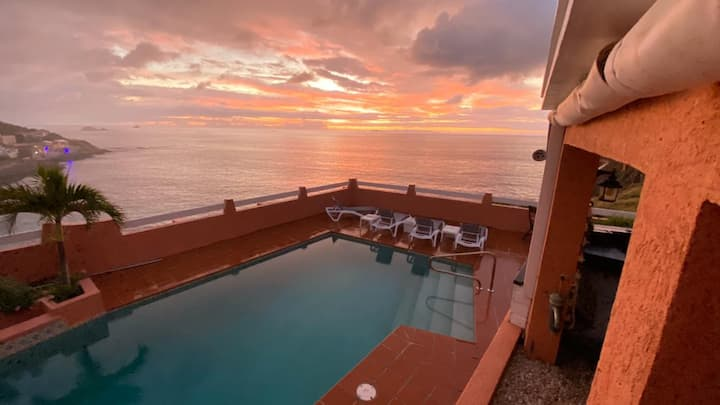 Breezy Sunrise in Paradise