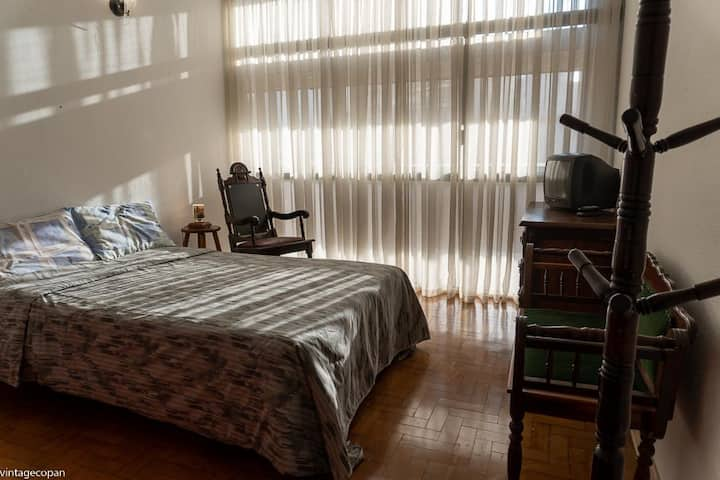 Copan: one dormitory with vintage decoration