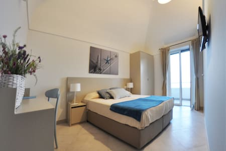 """Azzurra"" room with terrace and sea view - Capri - Bed & Breakfast"