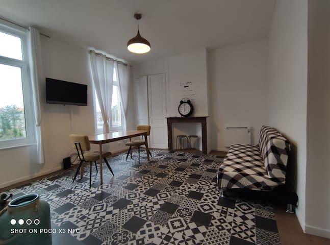 appartement 2 ème étage proche centre