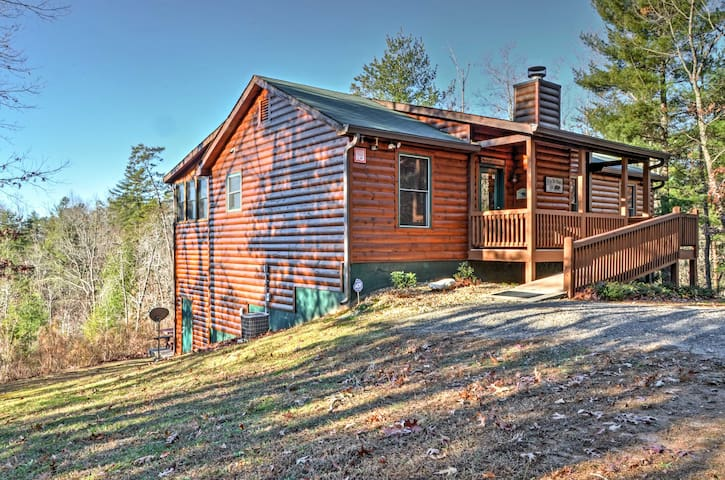 Boasting 2,100 square feet, this upscale cabin comfortably sleeps 8 guests.