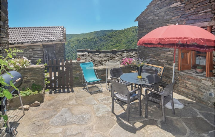 Holiday cottage with 2 bedrooms on 56m² in Bonnevaux