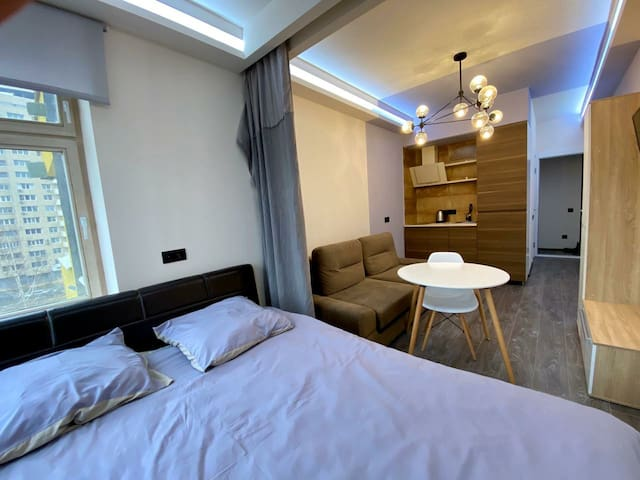 АРТ Апартаменты с дизайнерским ремонтом.