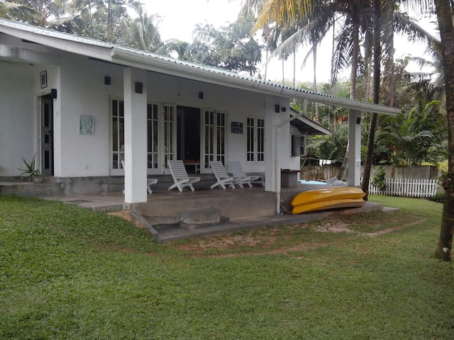 Lake front Private villa for Relax near Panadura - Bandaragama - Willa