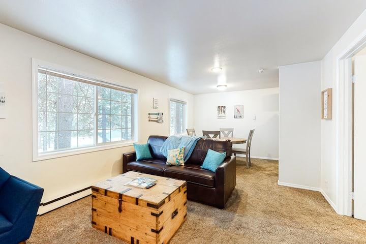 Cozy, Dog-Friendly Home w/ Free WiFi - Near Dover Bay Resort & Downtown!