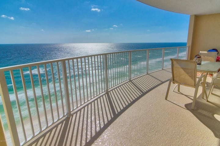 2 BR View Condo! Gulf-Front Bedroom, Huge Balcony!
